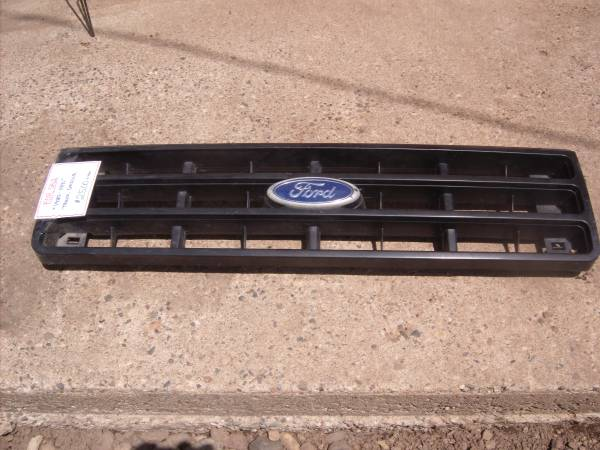 Photo Black 1987 - 1991 Ford Truck Grille - $25 (Hastings Mn)