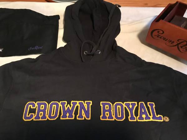 Photo CROWN ROYAL BLACK EMBROIDERED HOODIE SWEATSHIRT - $30 (Burnsville)