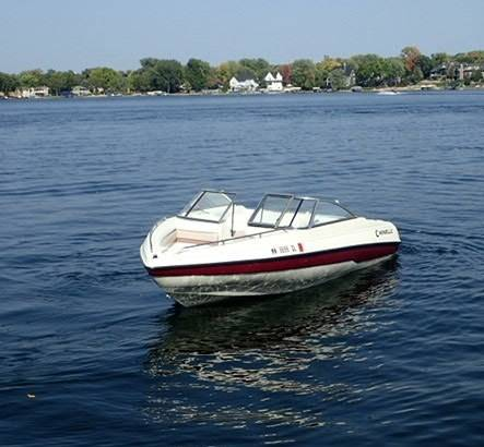 Photo Caravelle 17  foot Runabout Run About Open Bow Boat with Trailer - $8,500 (Prior Lake)