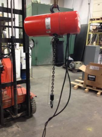 Photo Columbus McKinnon Model L 1 Ton 115vac Electric Hoist 1039 Lift - $1,525 (Spring Park)