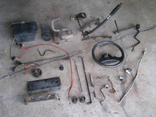 Photo Craftsman tractor parts - $1 (brooklyn park)
