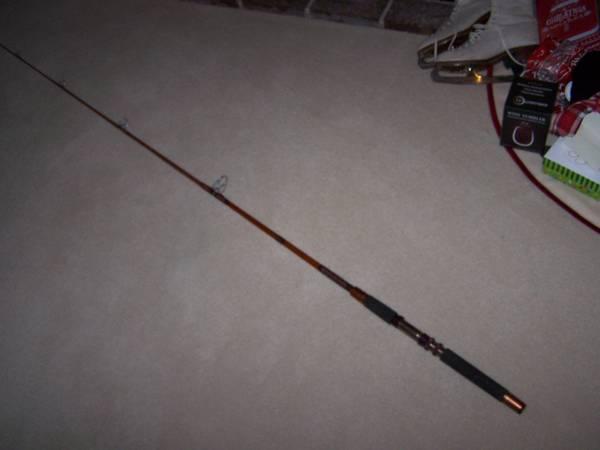 Photo Daiwa Custom built VIP 82 6.5 foot two piece fishing pole rod - $20 (eden Prairie)