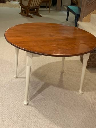 Photo Ethan Allen 45quot round drop leaf table with Pottery barn chair  bench - $500 (Edina)