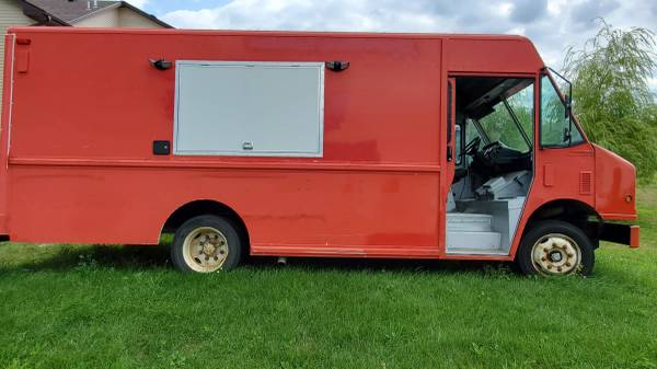 Photo Food Truck  Concession Van FOR SALE - $24,200 (Elk River)