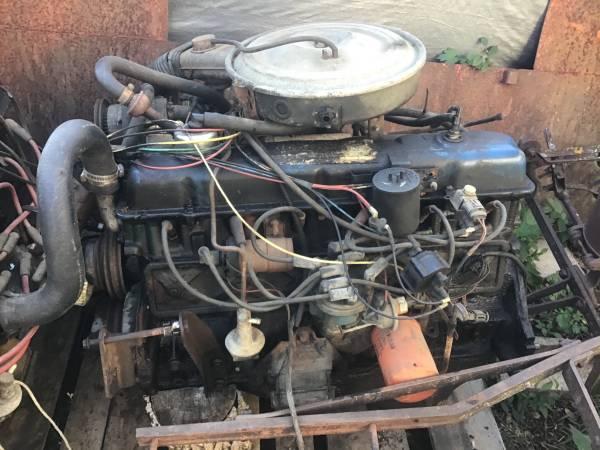 Photo Ford 300 6 cylinder 4.9L engines - $125 (Hudson)