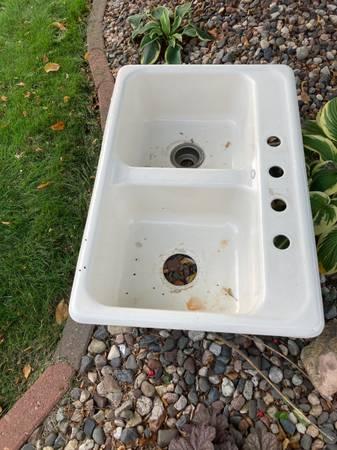 Photo Free Cast iron white sink (Carver)
