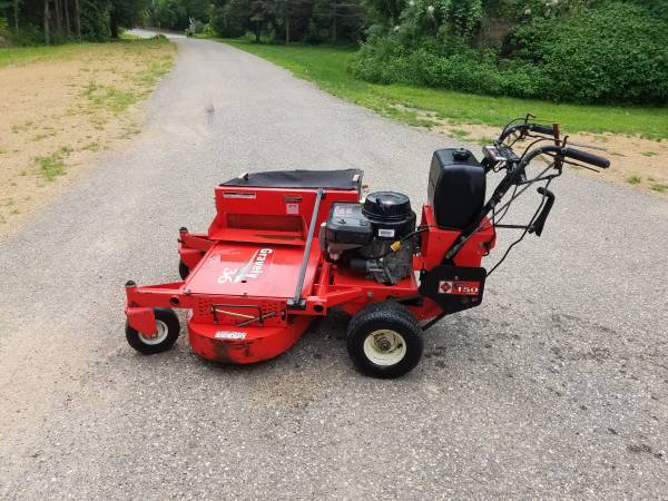 Photo Gravely Pro 150 commercial walk behind mower 36quot bagger 14hp kawasaki - $1,000 (Chaska)