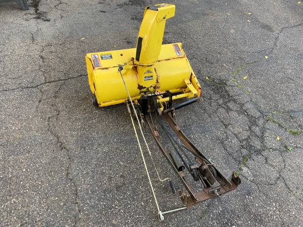 Photo John Deere 38 Snowblower Attachment-Delivery Available - $350 (Bloomington)