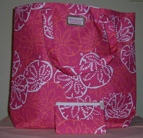 Photo Lilly Pulitzer for Estee Lauder Tote with Cosmetic Bag - New - $20 (Brooklyn Park)