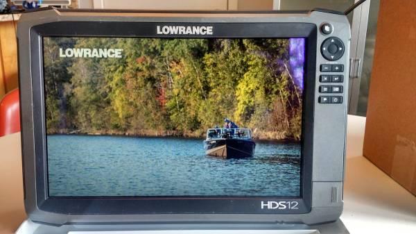 Photo Lowrance HDS 12 Gen 3 w Structure Scan - $1,550 (Burnsville)