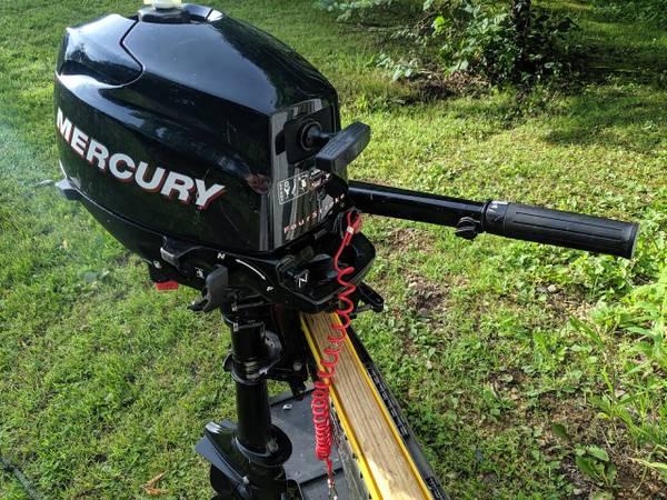 Photo Mercury 2.5hp 4 stroke outboard motor - $400 (Hudson, WI)