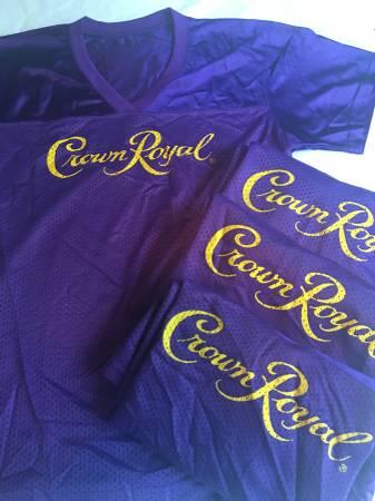 Photo NEW CROWN ROYAL LARGE LADIES PURPLE JERSEYS - $15 (BURNSVILLE)
