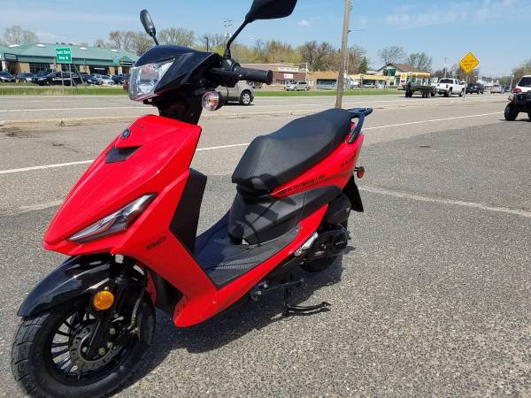 Photo New 2019 Racestar 150cc Scooters YEAR END SALE - $1299 (Forest Lake Ecofun Motorsports)