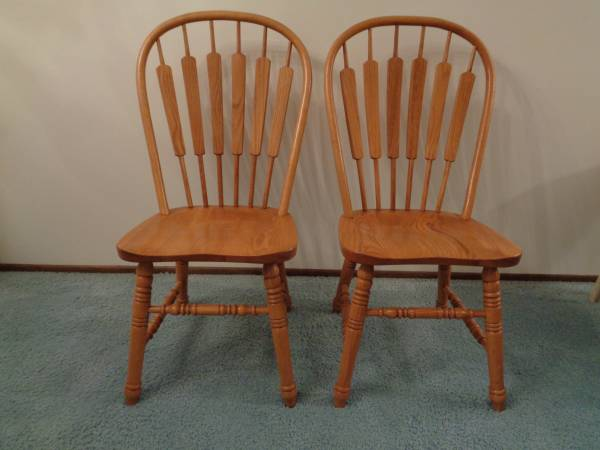 Photo Pair of Classic Solid Oak Windsor Style Dining Chairs or Side Chairs - $70 (W. St. Paul)