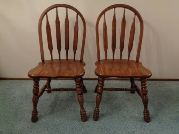 Photo Pair of Classic Vintage Cochrane Oak Dining Chairs or Side Chairs - $70 (W. St. Paul)