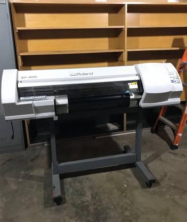 Photo ROLAND Wide Format VersaCAMM SP-300 30quot Eco-Solvent Inkjet PrinterCut (Maple Lake)