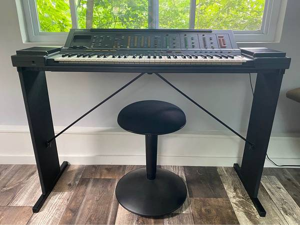 Photo Rare Vintage Yamaha PSR-6300 Keyboard  Stand - $300 (Burnsville)