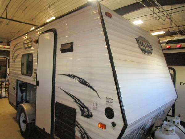 Photo Used 2015 Coachmen RV Viking Ice 15 ICE - $15,000 (Oak Lake RV Sales Moose Lake)