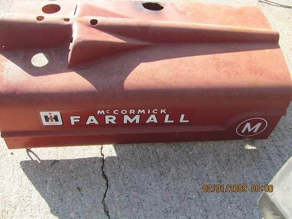 Photo Very Nice Farmall M tractor hood for sale - $90 (Waverly, MN)