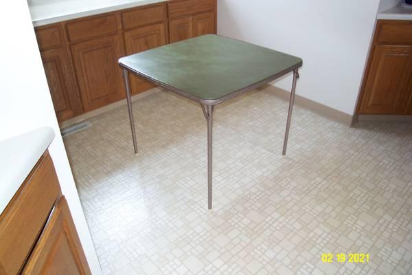 Photo Vintage Samsonite Green Folding Table - $50 (South Como)