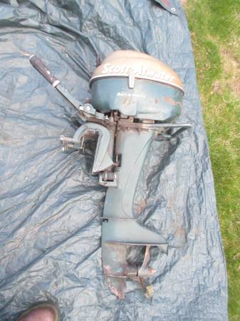 Photo Vintage Scott Atwater Outboard 7.5 HP Bail a Matic 1954 Boat Motor - $40 (Hutchinson)