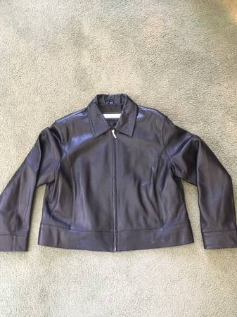Photo WOMENS DRESS BLACK LEATHER JACKET - $25 (NORTH BRANCH)