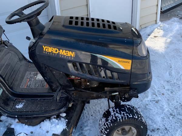 Photo Yard Man 46quot auto transmission riding mower - $525 (Cumberland)