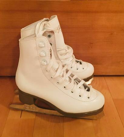 Photo figure skates  ice skates  Size 12, 13, 1, Size 6 New - $39 (SW)