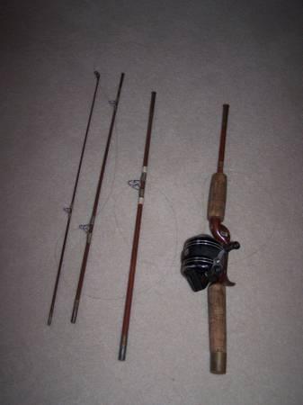 Photo vintage 4 piece Eagle Claw fishing pole with Zebco 606 reel - $30 (Eden Prairie)