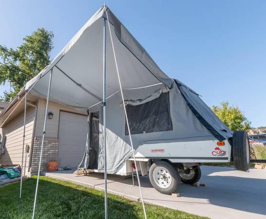 Photo 2000 Karoo Cub pop up tent trailer - $3000