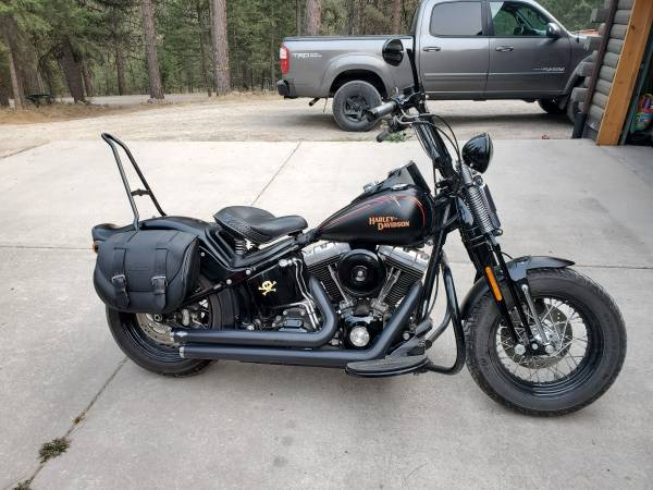 Photo 2009 Harley Crossbones - $11,900 (Missoula)
