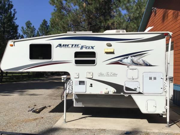 Photo 2011 Arctic Fox 811 Truck Cer - $22,000 (Thompson Falls)