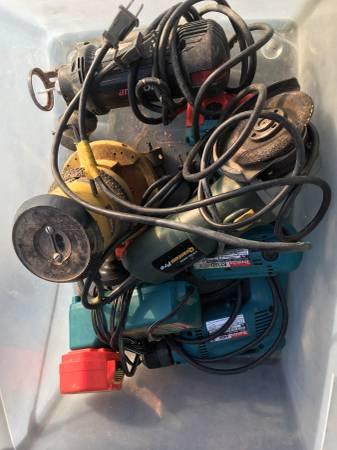 Photo 5 tools- Router cordless and corded makita drill rotozip grinder - $100 (Missoula)