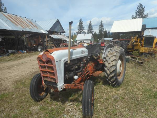 Photo 850 Ford 3 Point Gas Tractor - $3,500 (Trout Creek, MT)