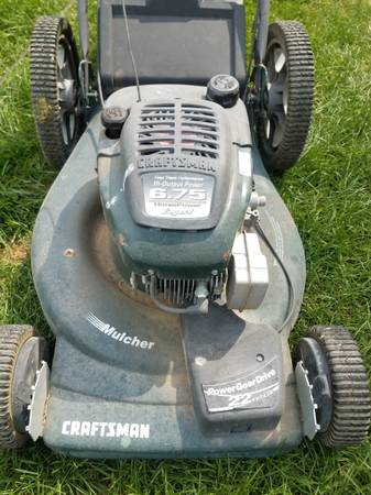 Photo Craftsman 22quot self-propelled lawn mower works great - $125 (Victor)
