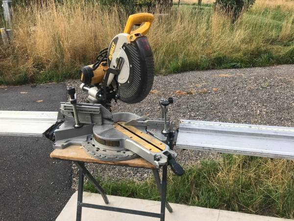 Photo DeWalt mitre saw wtable - $500 (Rock creek rd)