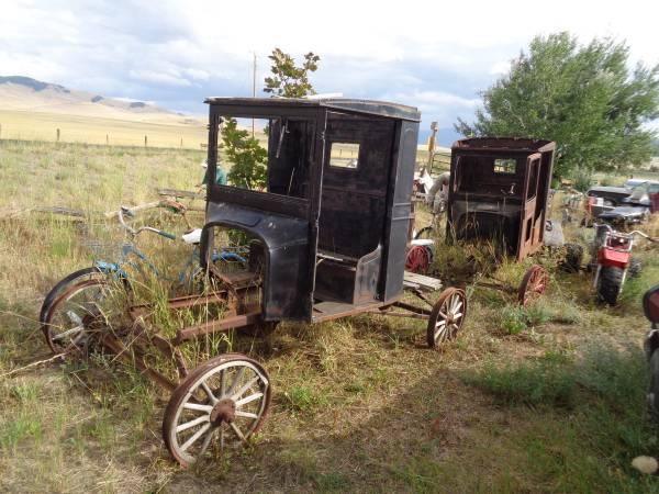 Photo Ford Model T Parts - $1 (Hot Springs, MT)