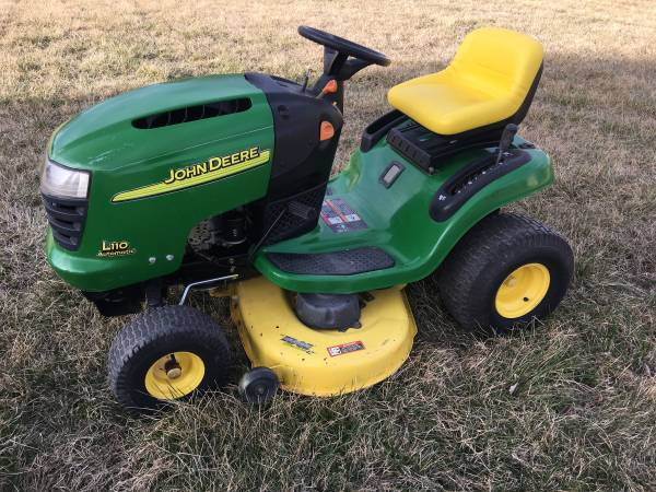 Photo John Deere L110 Automatic riding lawn mower - $995 (Corvallis-Hamilton)