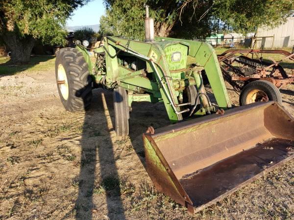 Photo John deere 2020 tractor - $8,900 (Victor)
