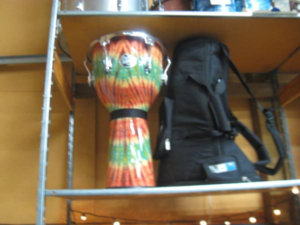 Photo LP (Latin Percussion) Aspire Djembe - $175 (Florence)