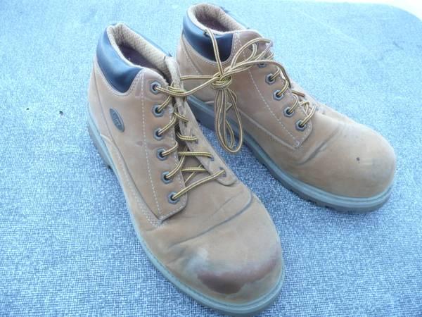 Photo Lugz Mens Leather Work Shoes, 9 12 - $15 (Missoula)