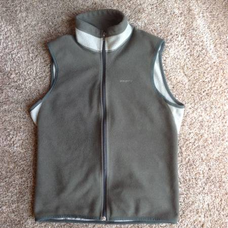 Photo Men39s Patagonia Fleece Vest (size small) - $15 (Missoula)