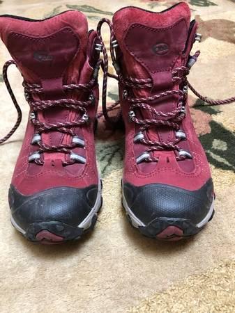 Photo Oboz boots - $75 (rattlesnake)