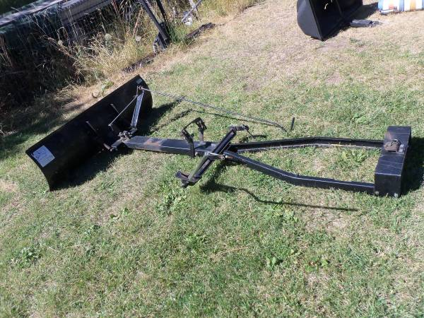 Photo Snow Plow Blade attachment for Lawn Mower - $99 (MSOLolo)