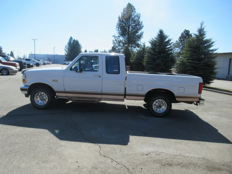 Photo Used 1995 Ford F150 4x4 SuperCab XL for sale