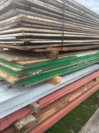 Photo Used 38quot Plywood - $22 (Missoula)