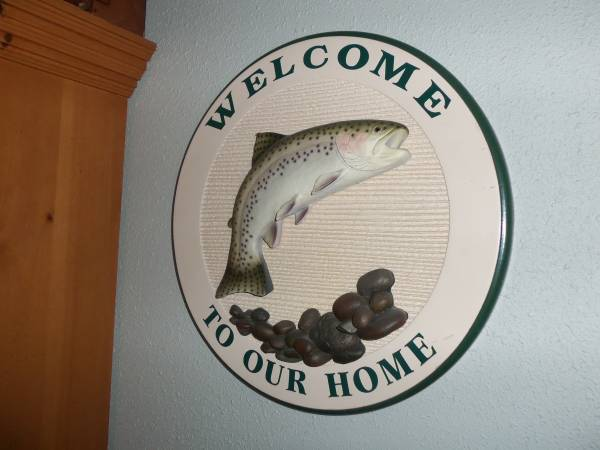 Photo quotWelcome to Our Homequot Jumping Trout w River Rock Big Sky Carvers 3D - $40 (MSOLolo)