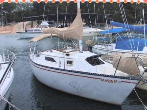 Photo 1981 Sailboat Hunter 22 INBOARD and TRAILER FRESH WATER BOAT - $5,600 (fairhope)