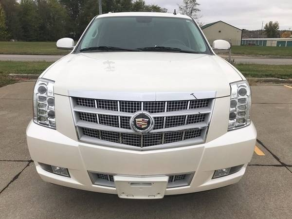 Photo 2013 Cadillac Escalade Platinum Hybrid Awd with 110,850 mileage for - $9500