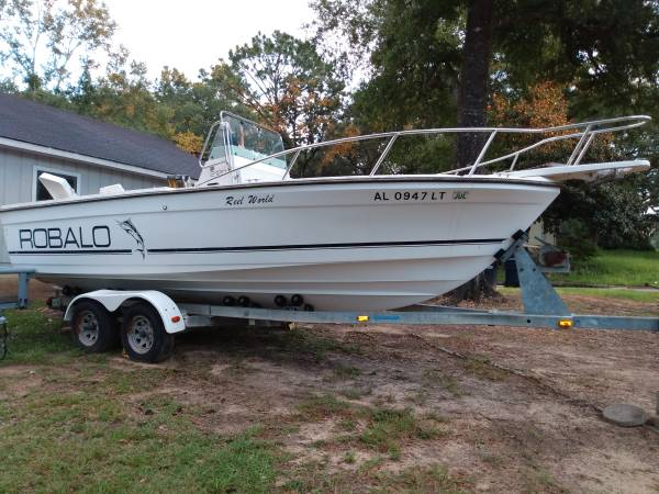 Photo 22ft 1995 Robalo center console boat - $5,500 (Mobile al)
